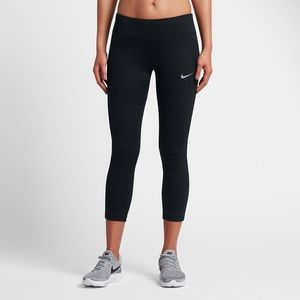 Nike Power Essential Running Crops